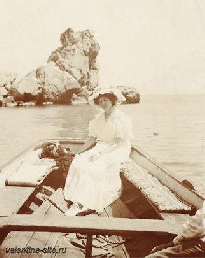 Надежда Ивановна Комаровская в Гурзуфе. 1910-е