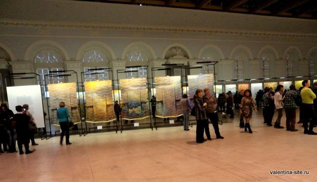 В зале «Манеж» на выставке «Преображение кимоно: искусство Итику Куботы»