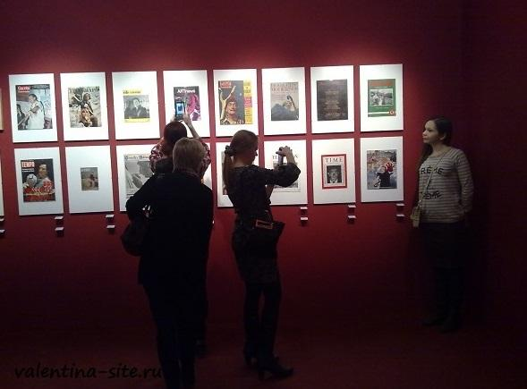 На выставке Сальвадора Дали