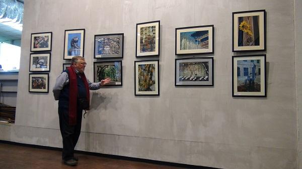 На открытии выставки Валерия Ведяшкина «Небо, вода и земная суета»