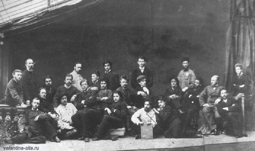 Группа учеников Московского училища живописи