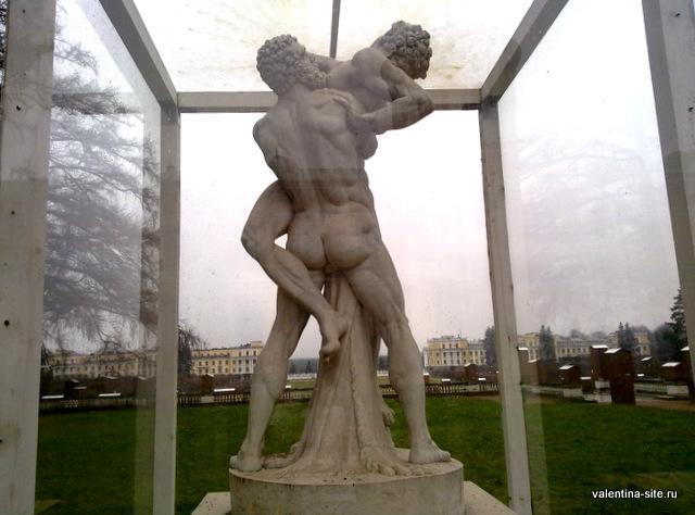 Скульптура на Верхней террасе