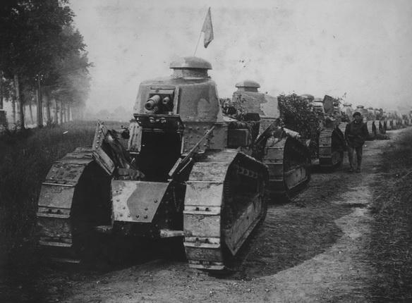 15Танк FT17 Renault. Колонна танков, Франция, 1917
