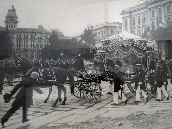 Похоронная церемония королевской четы в Триесте. Июль 1914