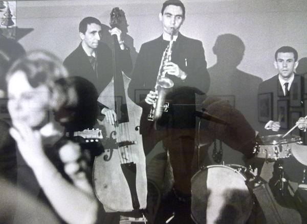 Виктор Ахломов.Фред Григорович, Алексей Козлов и Валерий Буланов в кафе Мороженое на I Московском фестивале джаза. 1962